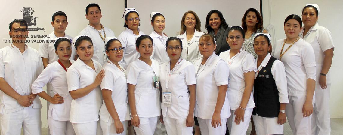 """EGRESAN DEL HOSPITAL """"DR. AURELIO VALDIVIESO"""" NUEVA  GENERACIÓN DE PASANTES DE LA LICENCIATURA EN ENFERMERIA"""