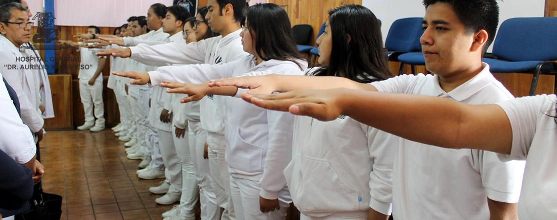 """EL DIRECTOR DEL HOSPITAL GENERAL """"DR. AURELIO VALDIVIESO"""" TOMO PROTESTA DE LEY A MONITORES DEL AVAL CIUDADANO"""