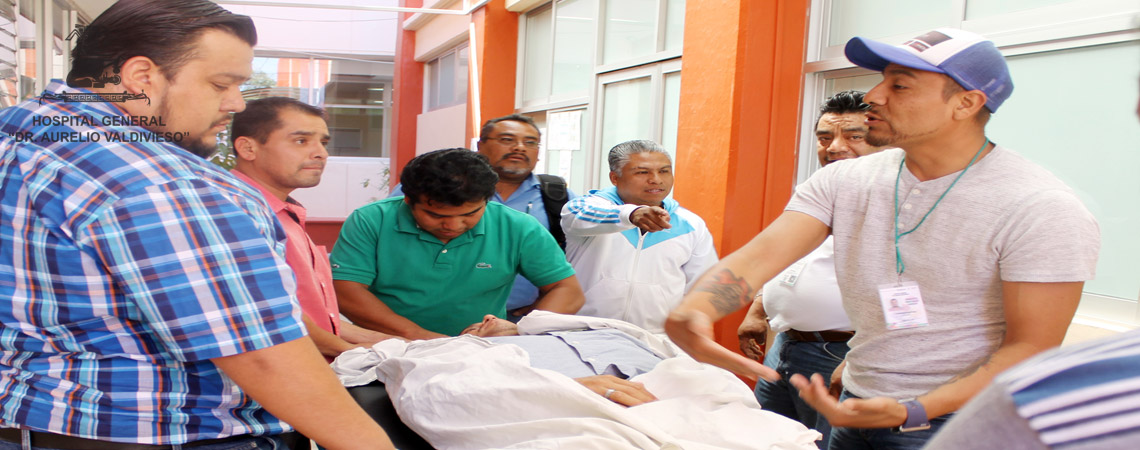"""CAMILLEROS DEL HOSPITAL """"DR. AURELIO VALDIVIESO"""" ACTUALIZAN SUS CONOCIMIENTOS PARA BRINDAR UN SERVICIO DE CALIDAD A LOS PACIENTES."""