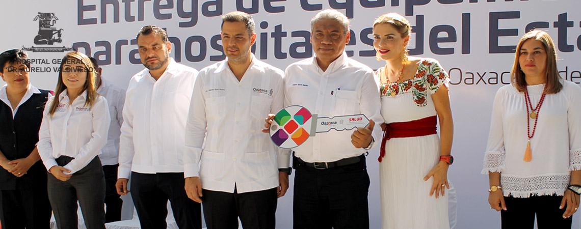 ENTREGA EL GOBERNADOR ALEJANDRO MURAT EQUIPO MEDICO Y AMBULANCIA DE TERAPIA INTENSIVA AL HOSPITAL AURELIO VALDIVIESO.