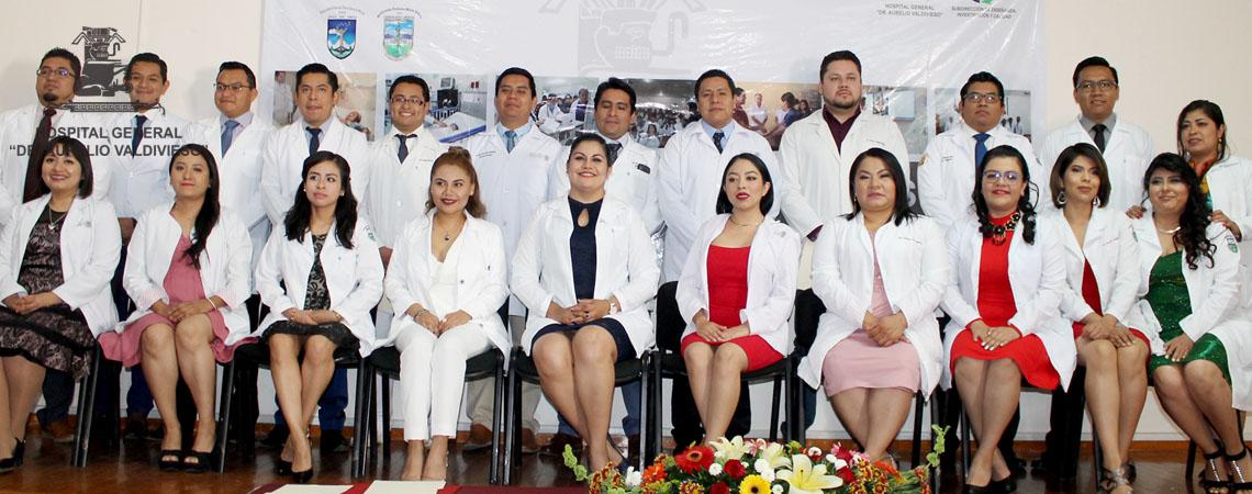 """24 NUEVOS MEDICOS ESPECIALISTAS EGRESARON HOY DEL HOSPITAL GENERAL """"DR. AURELIO VALDIVIESO""""."""